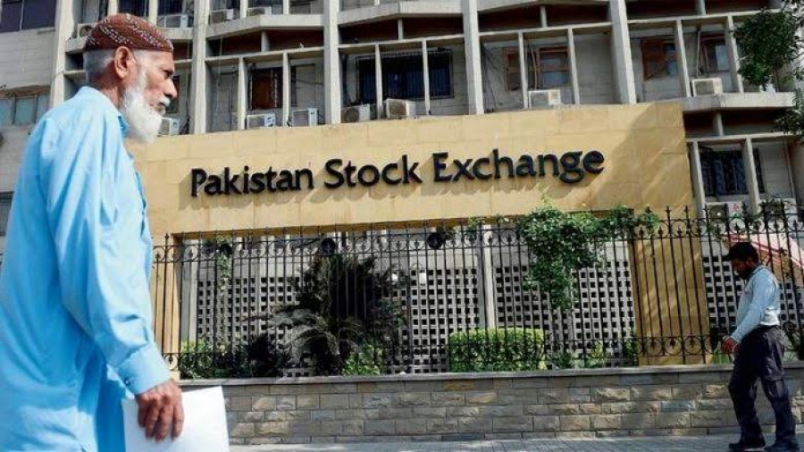 Pakistan Stock Exchange gains 650 points closed at 39910