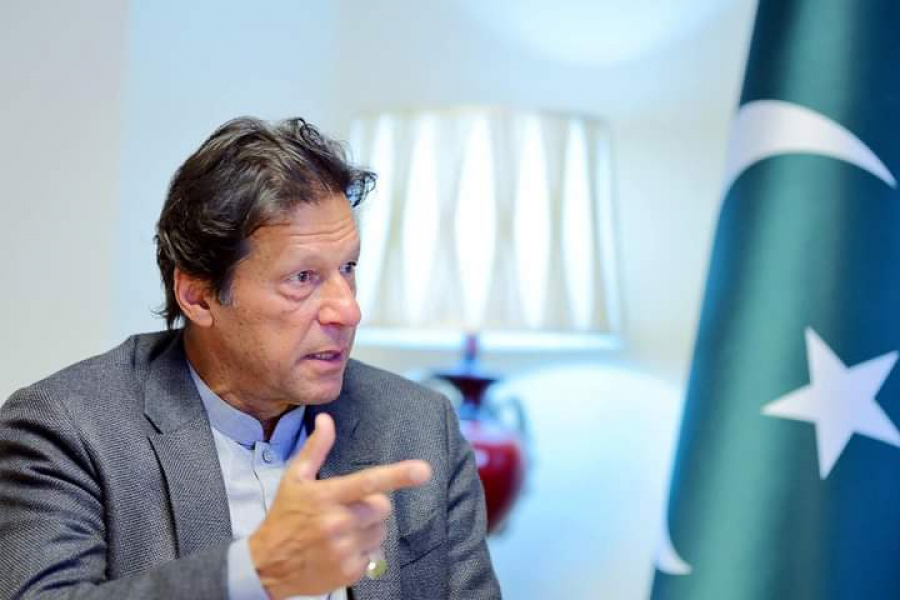Pakistani politicians have always wanted to set themselves up like Mughal emperors. says PM Imran Khan