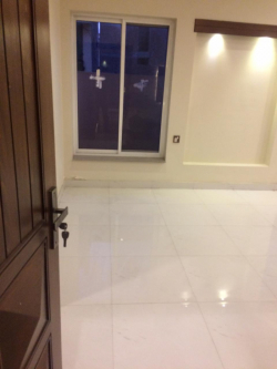 10 Merla Portion in Tech Town Satiana Road for Rent